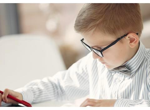 乾隆一生作诗4万首,只有一首选入小学语文课本,你怎么看?