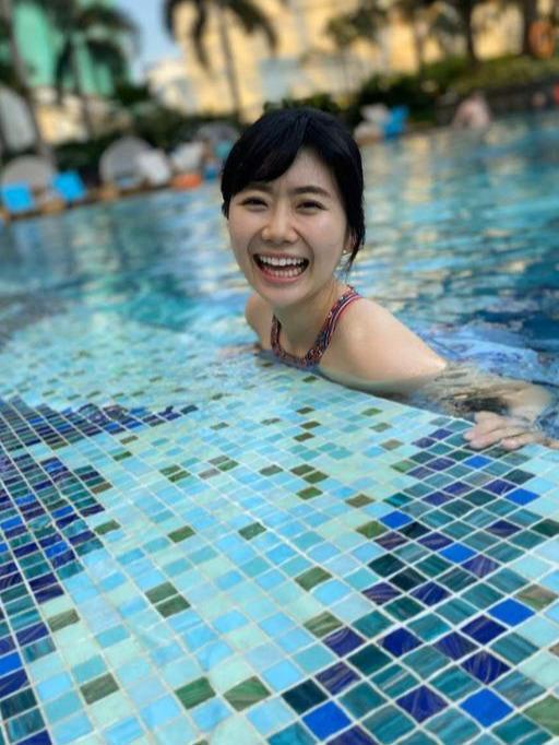 福原爱和老公江宏杰泳池戏水,网友:这是我们用林志玲换的!