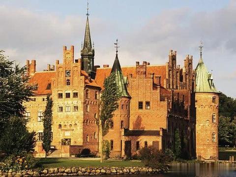 """世界""""最美""""的4大护城河,荷兰上榜两座,原来是一座监狱"""