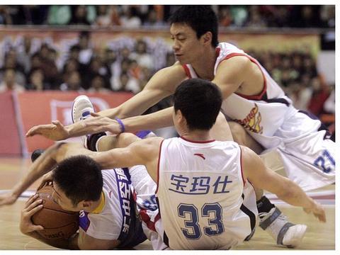 上海男篮竟成外援最多球队,有望逆风翻盘,期待外教的能力