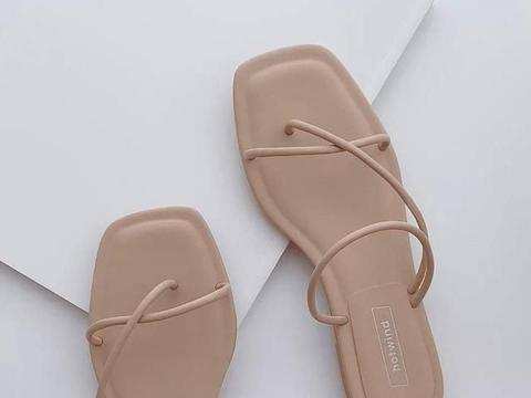 鞋子也能助你提神抗疲劳?11款平底凉拖,带你舒服走过今夏