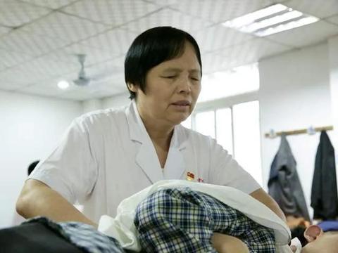 朱丽华:在黑暗中把名字锻造成一张响亮的公益名片|感动中国