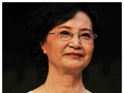 《西游记》白骨精扮演者杨春霞,因杨洁没有买一赠一,关系闹僵