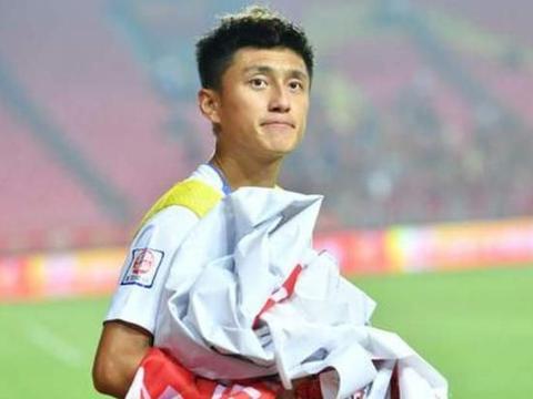 河北华夏将迎回故人,富力标价5000万,球迷:他的表现只值500万