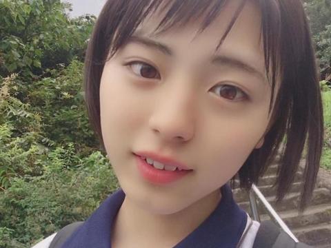 16岁日本最美高中生,因颜值太高没人敢追