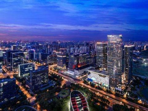 继北上广深后,又一个繁华都市现身,常住人口量超越广州和深圳