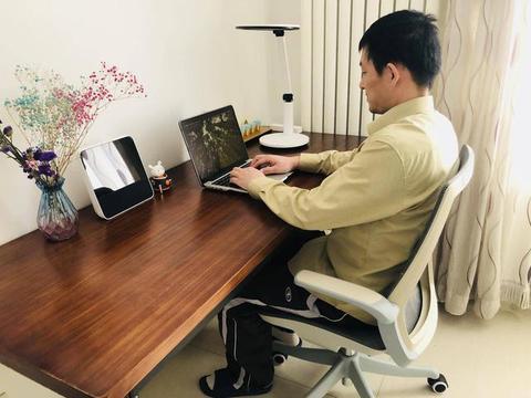 作为程序员每天亲密接触时间最长是办公椅,来自灵魂深处的测评