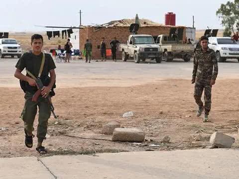 叙利亚大后方突然失火,美国阿帕奇燃烧弹袭击,俄警告后果很严重