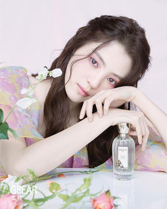 用香气增加魅力:韩素希一口气为2个香水品牌拍摄!