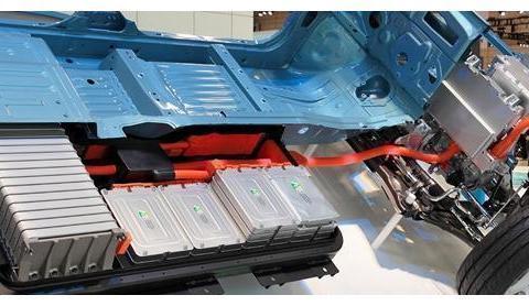 对811三元锂电池穿刺测试瞬间爆炸,安全性真是新能源车的殇?