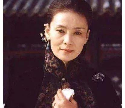 妈妈专业户年轻时美出新高度,盘点影视剧中惊艳时光的女演员!