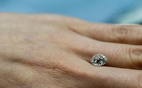 新一代珠宝消费者,更符合他们的需求的是合成莫桑钻石