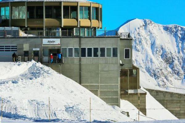 """瑞士版""""香格里拉""""小镇,藏于绝美雪山之中,四季都有冰雪世界"""