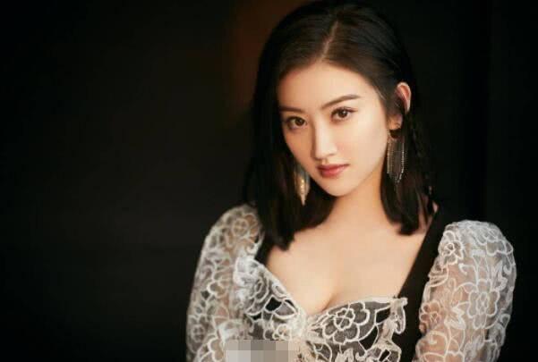 被吐槽怎么也捧不红的女星,李沁第八,杨蓉第二,景甜排第几?