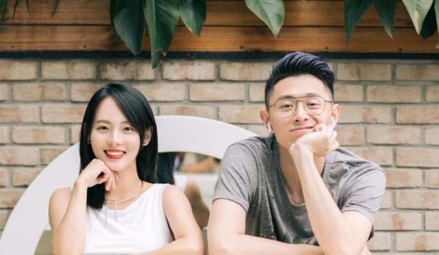 张嘉倪为富豪老公庆生,素颜无滤镜展现真实肤色,结婚五年感情好