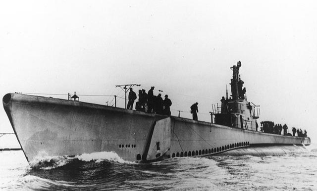 水解制氧,氢气发电,海水补氧气?潜艇主要用什么空气循环系统?