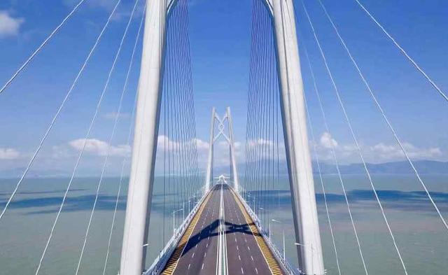 鬼才设计的3座桥,桥面走船不走人,中国这座工人把图纸拿反了?