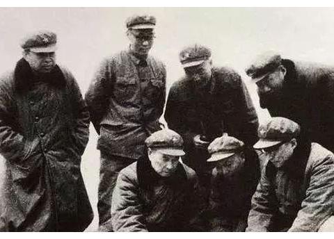 他在解放后一直任司令,任职6个大军区级中,5个都是大军区级正职