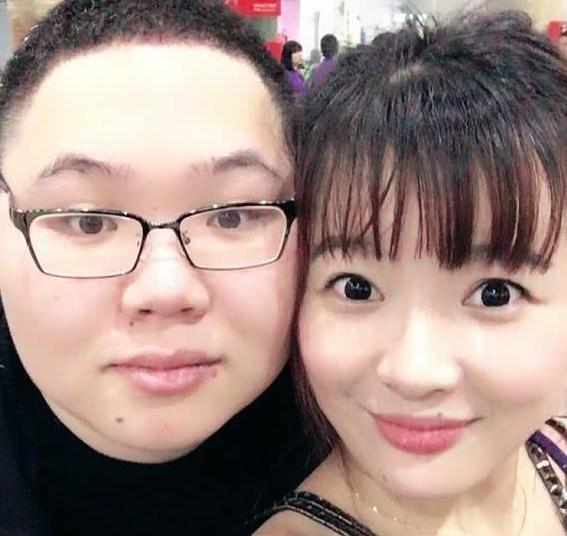 电竞圈的爱情故事?PDD老婆美若天仙,他都有了孩子!