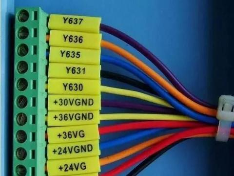 电气接线+线号管正确方向&x3D;电工接线好习惯!您具备吗?