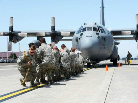 军事法监察组织发现,美国空军未能解决军事司法系统中的种族差异