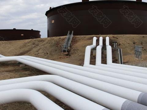 油价继续下跌至每桶近32美元 有迹象表明美国原油库存膨胀