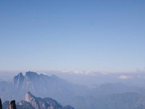 """被称为""""小黄山""""令人震撼的气候,冬天来爬山是一种挑战"""