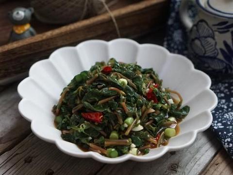 """5月这菜最嫩最鲜,被称为""""天然抗生素"""",简单一拌就能吃!"""