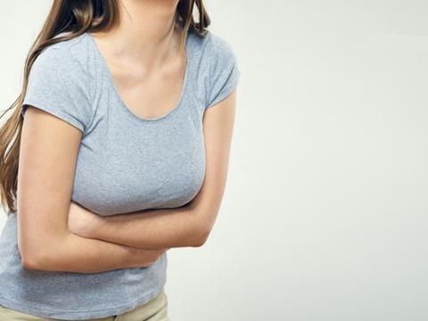 腹痛小心大肠癌信号!肌肉拉伤、肠胃炎、癌症的腹痛差别