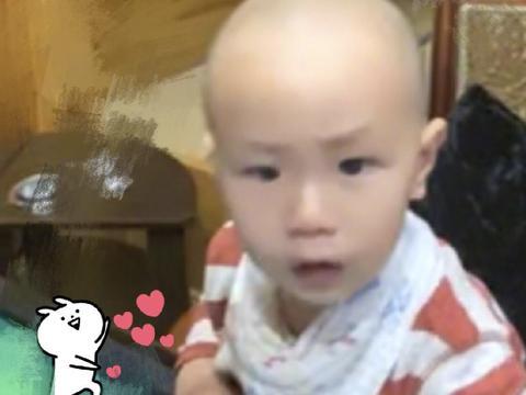 张嘉倪才是儿子的头号黑粉晒宝宝秃头照片发文称:想念我的小光头