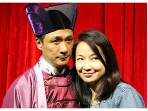 和影帝一见钟情,结婚19年从不做家务,年近50岁却宛如小公主