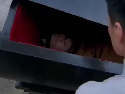 死人正要下葬,不料路过的中医一看-还能救,下秒奇迹出现了!