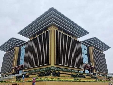 广西自治区内知名高校,广西师范大学和桂林电子科技大学