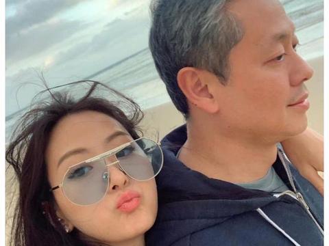 孙芸芸20岁女儿在微博顶着素颜教美妆,粉丝都超吃惊
