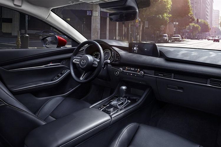 昂克赛拉2.0L车型下调价格门槛,马自达终究还是妥协了!