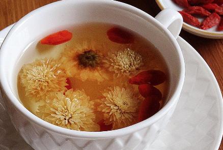 枸杞子能和菊花茶一起泡吗、枸杞菊花茶怎么泡好喝及功效介绍