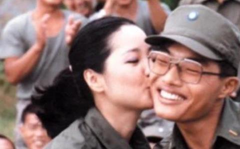 """逝世25年后再上热搜,邓丽君""""甜美人设""""崩塌?网友直呼绝不可能"""