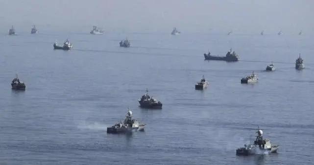 上百艘新式导弹艇驶入海峡,警告美舰停止巡航!俄呼吁盟友冷静