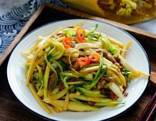 """这菜,被称""""水中参"""",8元一斤,常吃对皮肤好,夏天防晒可多吃"""