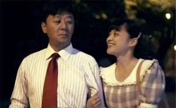 父母爱情:都说养儿防老,人生到头来陪自己的却只是老伴儿!