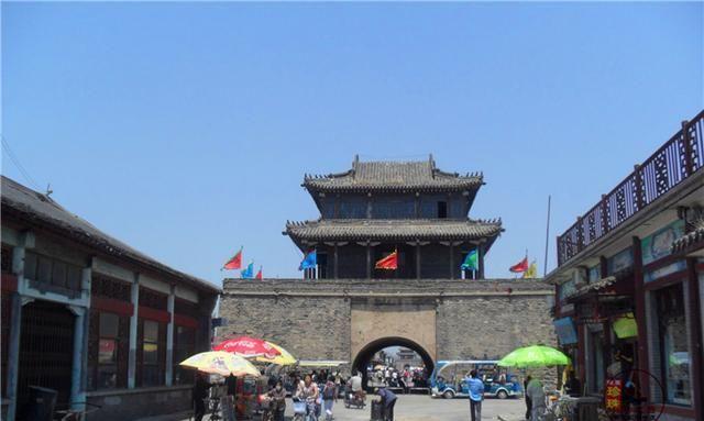 亚洲第一大军鼓,辽宁古色古香的钟鼓楼,整个兴城古城尽收眼底