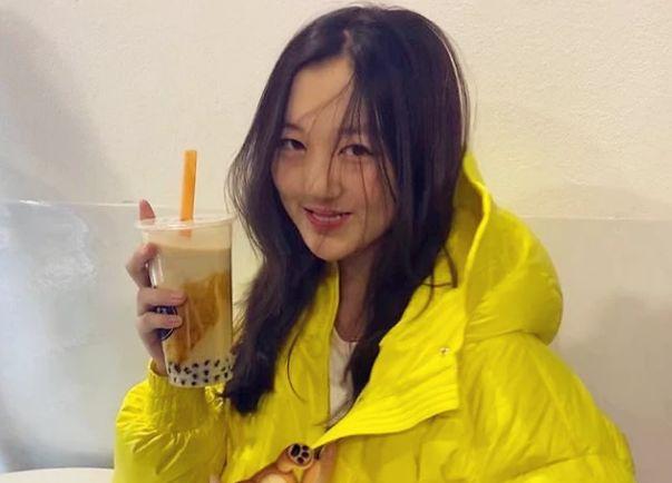 14岁李嫣新发型吸睛,时尚感与黄多多不相上下,二人口碑却大不同