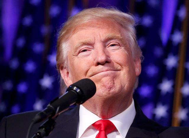美国身亡10万人!特朗普支持率却暴涨,专家:他连任对我方有利