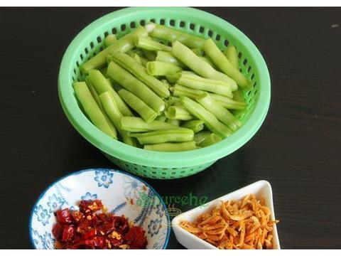 四季豆新做法,比干煸四季豆简单,比四季豆焖面要香,特下饭!