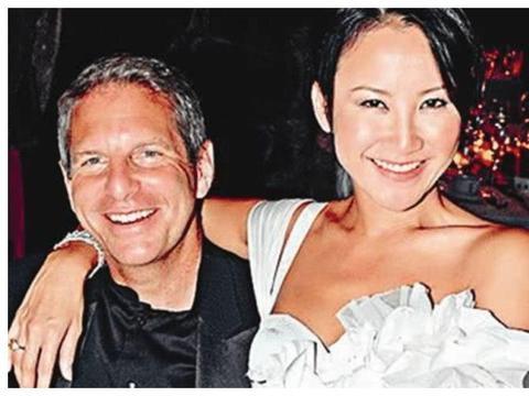 """44岁的李玟越过越滋润,整个人""""释放天性"""",婚后生活蒸蒸日上"""