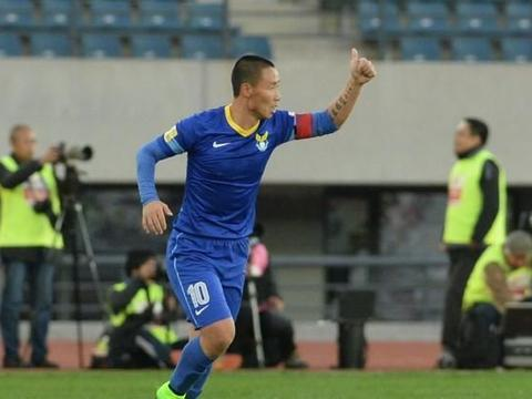 宣布退役的陈涛二三事,一名大连球迷怀念当年的大连阿尔滨队长