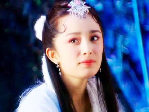 美人一袭白衣,本以为杨幂、赵丽颖够惊艳了,看到阿娇:惊为天人