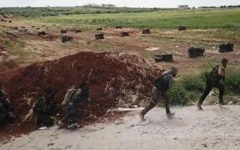 第25特种师指导第5军团训练:哈桑被炸身亡,不实消息不攻自破