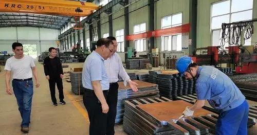临潼法院党组书记、院长王佑勋调研包抓企业及重点项目经营建设情况