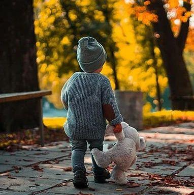 90后夫妻带孩子住毛坯房,却把日子过成诗:再苦不能苦孩子,是世上最大的谎言